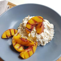 Grilled Nectarine Oats