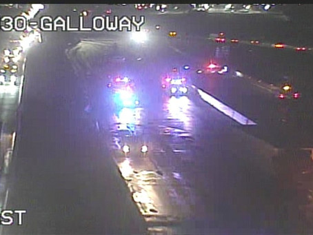 18-Wheeler Crash Closes I-30 in Mesquite Friday Morning