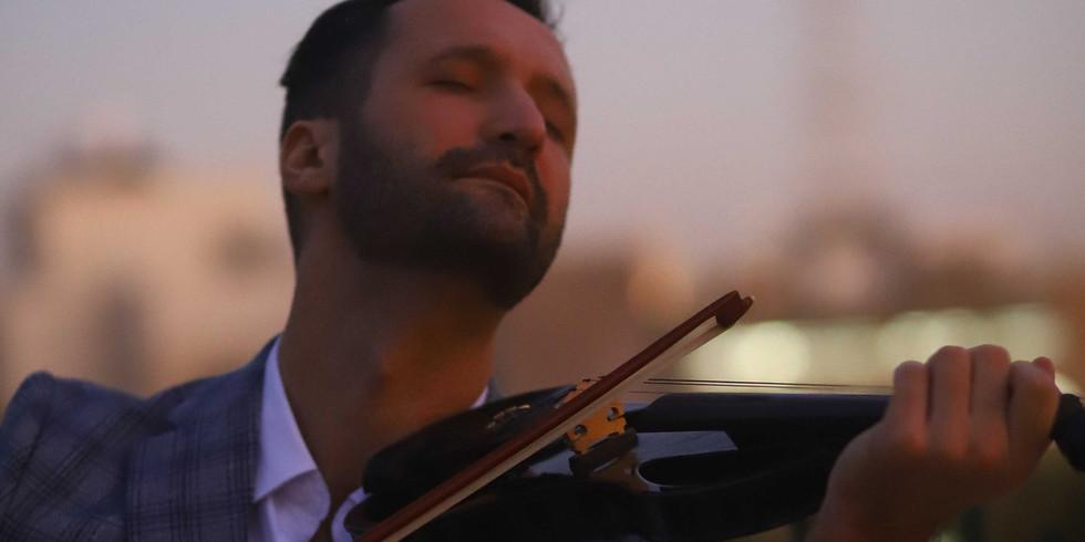 גדי בר מציג: ערב שירי אהבה ומוסיקה מהסרטים לכל המשפחה