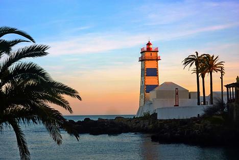 Cascais Lighthouse.png