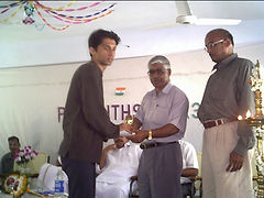 Nithin with trophy.JPG