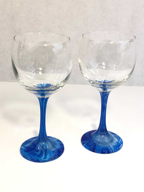 Shades of Blue Water Marbled Wine Glass