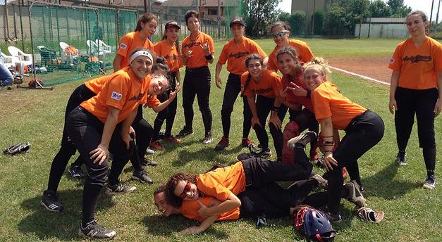 Softball serie B.JPG