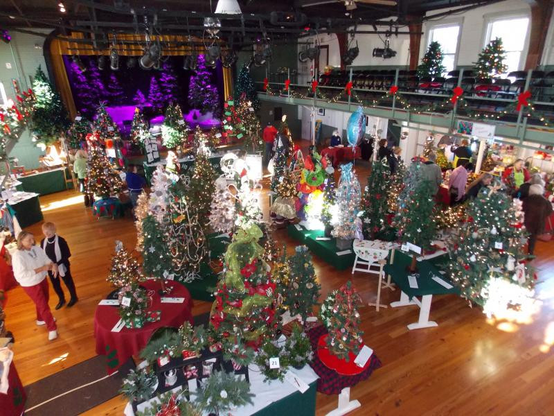 Festival of Trees - Sea Maine Vacation Rentals