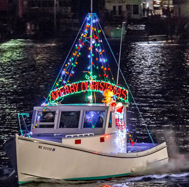 Lighted Boat Parade - Sea Maine Vacation Rentals
