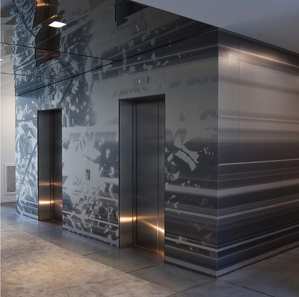 Intervention artistique de l'artiste Marie Maillard dans le hall principal du Ministère de l'intérieur à Paris