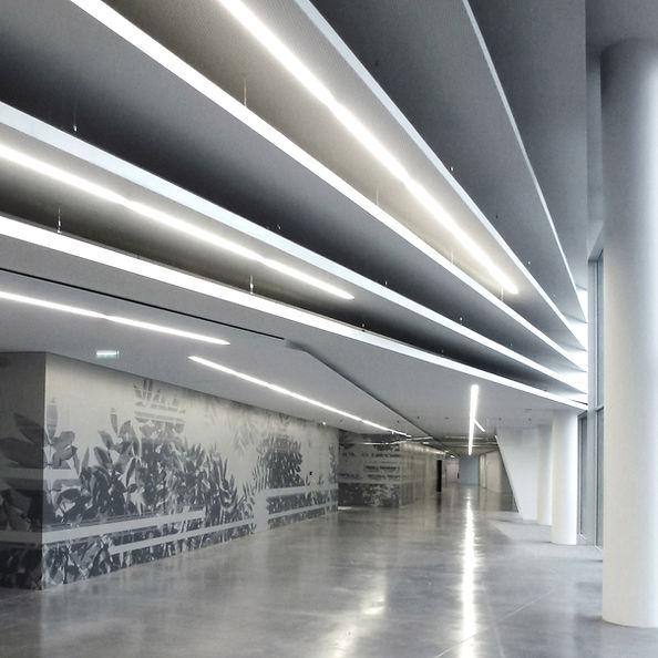 Intervention Artistique de Marie Maillard dans le hall principal du Ministère de l'Intérieur à Paris, France