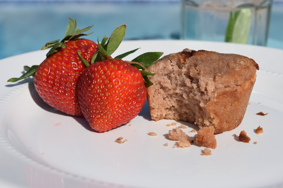 STRAWBERRY ALMOND PALEO MUFFINS