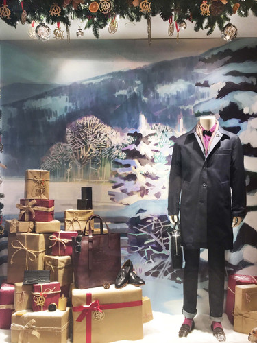 Dunhill Christmas WIndow 2016_edited.jpg