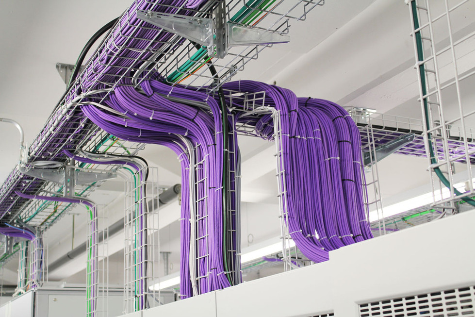 Ein ausgeklügeltes redundantes Verkabellungssystem sorgt für schnelle Verbindungen.