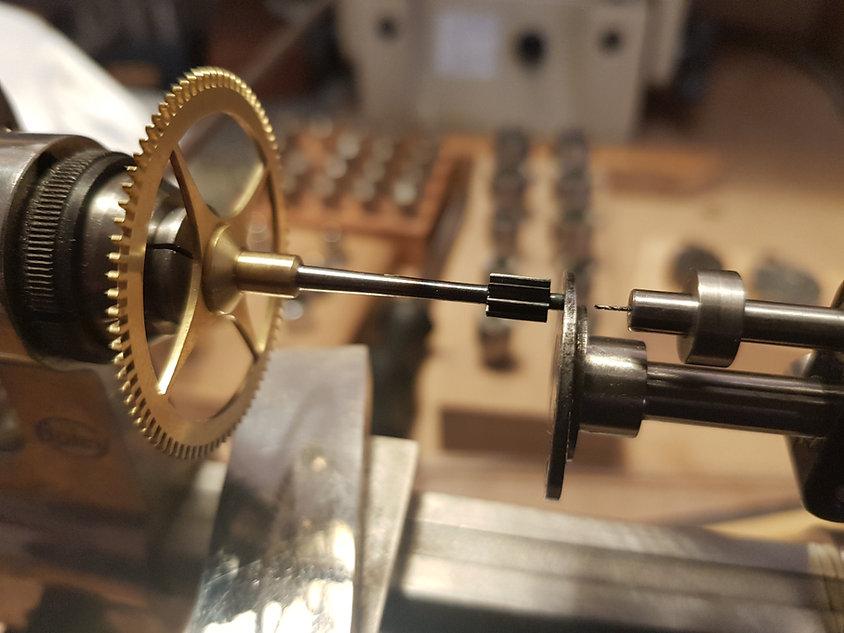 Pivot casse-pendule de Paris2.jpg