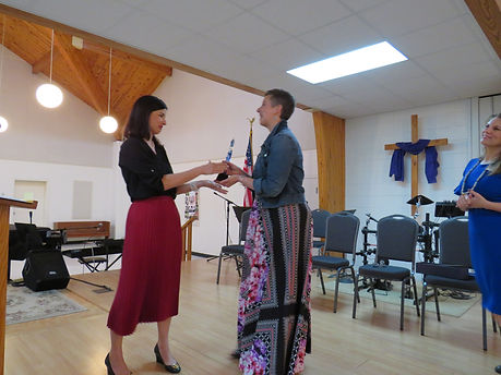 Bethany receives award.JPG