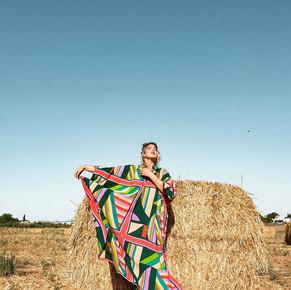 """בצילום של שמלת הוינטג' העלומה של החנות """"לובשת וינטג'"""" בגבעת ברנר"""