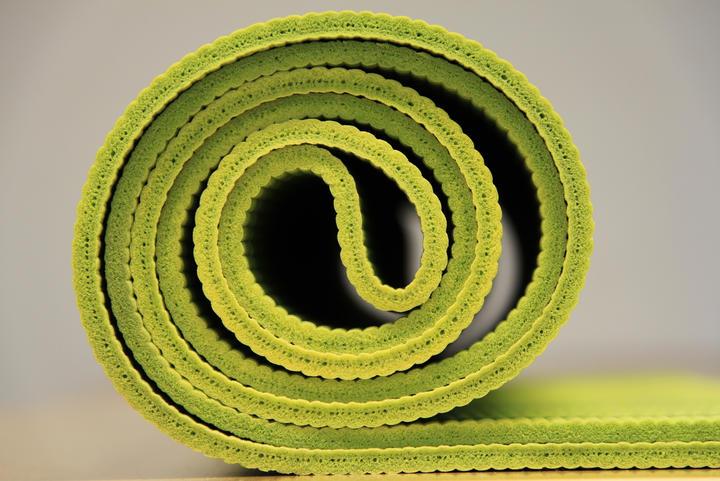 leaf-spiral-number-green-yellow-circle-6