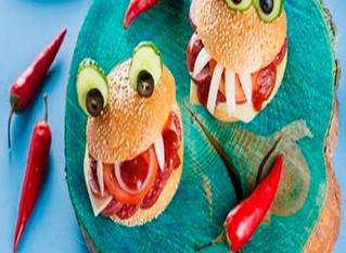 Preparara deliciosas y vibrantes hamburguesas fantasmales ¡Terriblemente deliciosas!