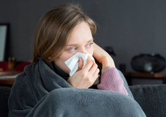 Síntomas de influenza, catarro y COVID-19 pueden dificultar diagnóstico