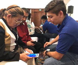 Necesario acercar tecnología a adultos mayores para que se mantengan actualizados