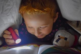 La Importancia de introducir la lectura en la rutina antes de dormir.