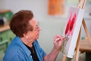El arte primigenio complementa el tratamiento integral para Alzheimer
