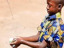 Pandemia enfatiza problema básico de higiene: lavado de manos
