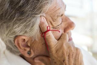 Alzheimer, la enfermedad del olvido, afecta al paciente, familiares y cuidadores