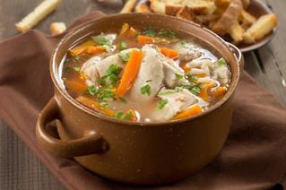 Conoces los beneficios que te brinda un delicioso caldo de pollo?