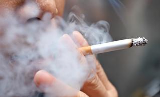 Fumar, afecta la salud visual, favorece ojo seco, catarata y enfermedades de la retina