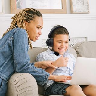TechZone hace más cómodo el Home Office y Home School