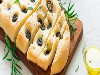Cocina en familia un delicioso pan de aceite de oliva con aceitunas Carbonell