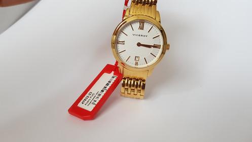 3fa8237b73ee Reloj Viceroy Mujer 47832-23 Dorado. Brazalete y caja dorada. Esfera  dorada. Calendario. Sumergible 30m. 2 años de garantía.