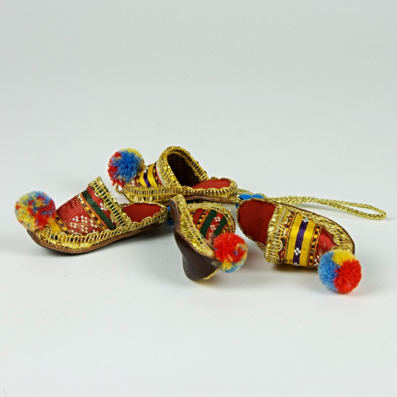Decorative footwear ornament