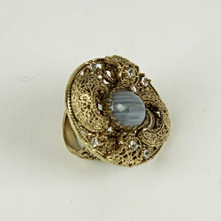 Gold patterned jewel ring
