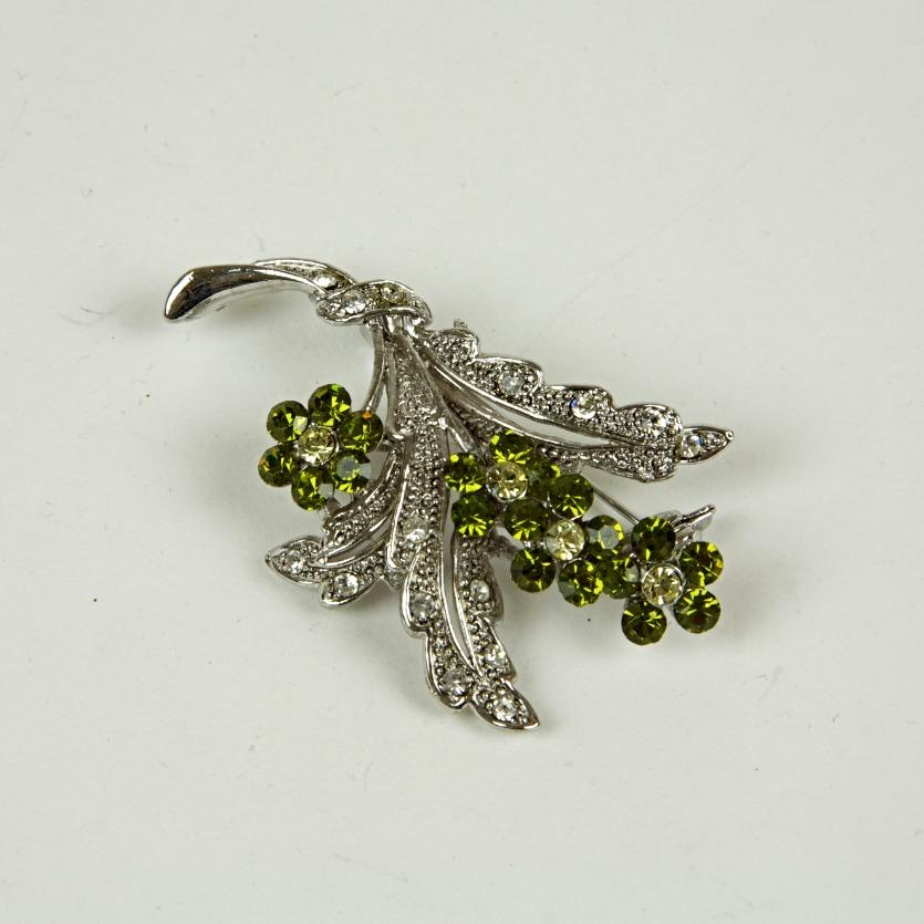 Vintage bouquet sparkle brooch