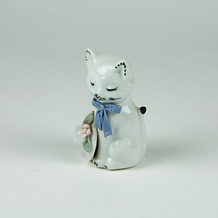 Ceramic sleeping cat ornament