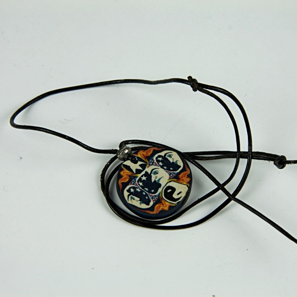 Moon design rope pendant necklace