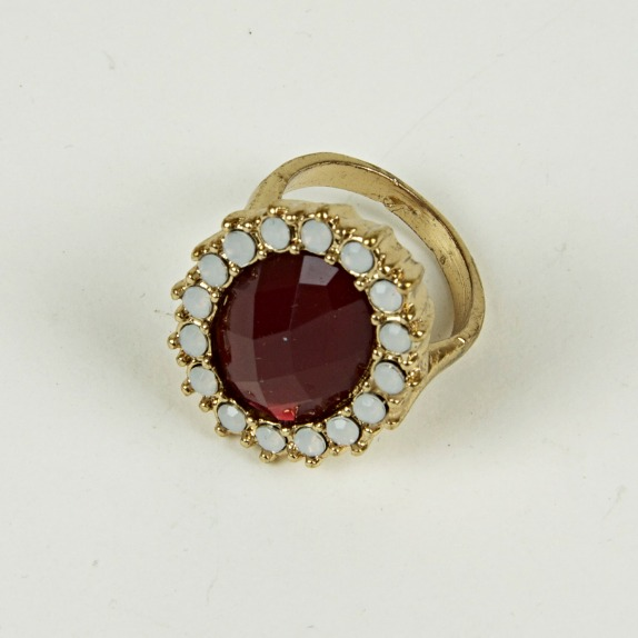 Large jewel ring