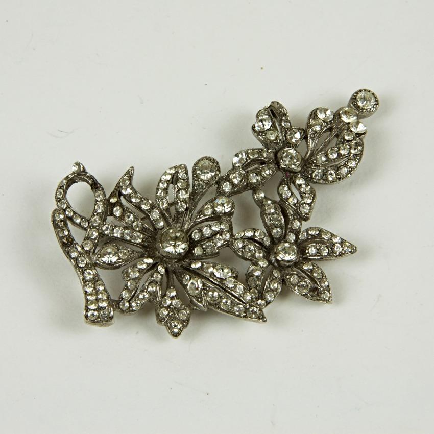 Vintage floral sparkle brooch