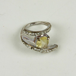 Swirl jewel ring