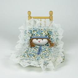 Floral bed design tissue box holder