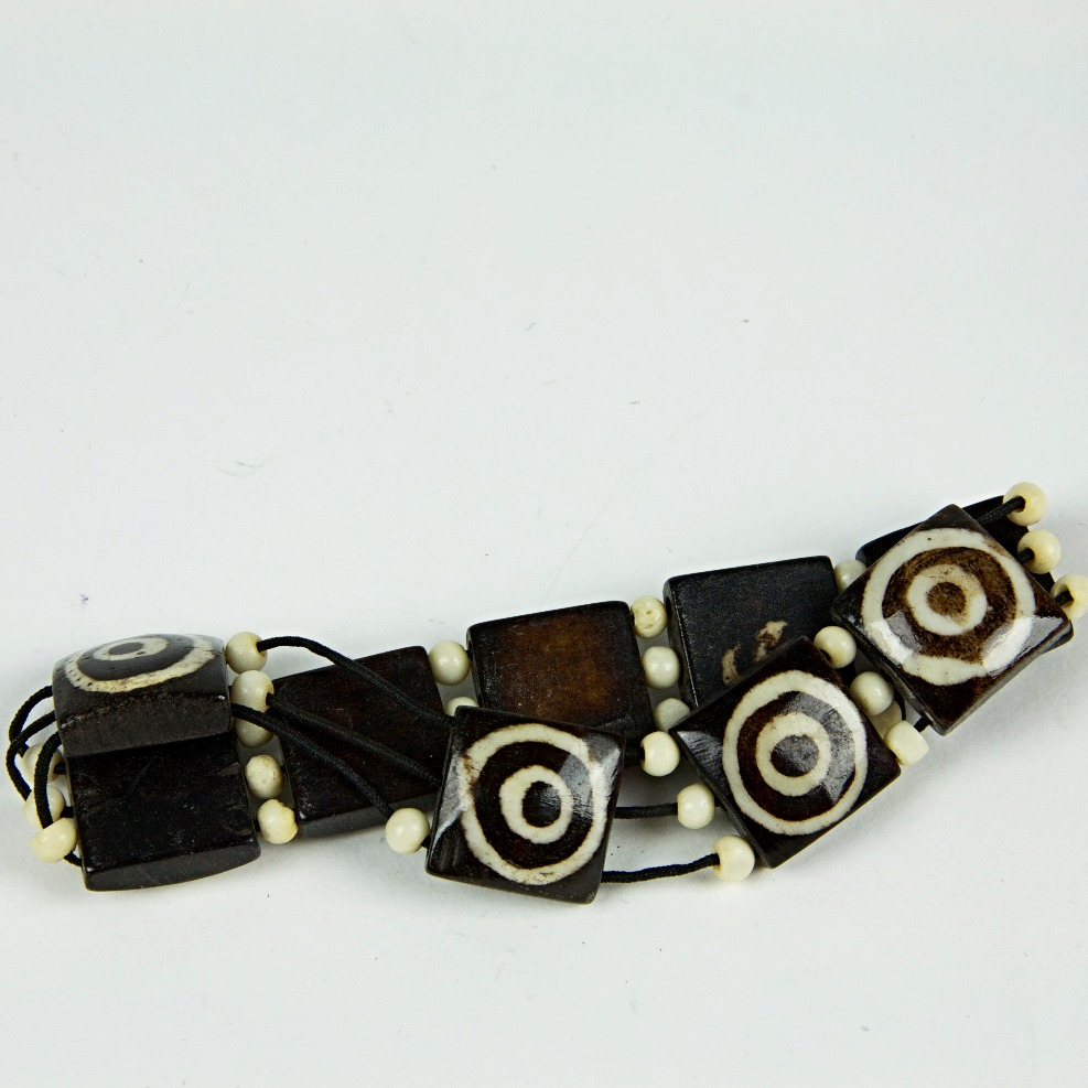 Wooded square beaded bracelet
