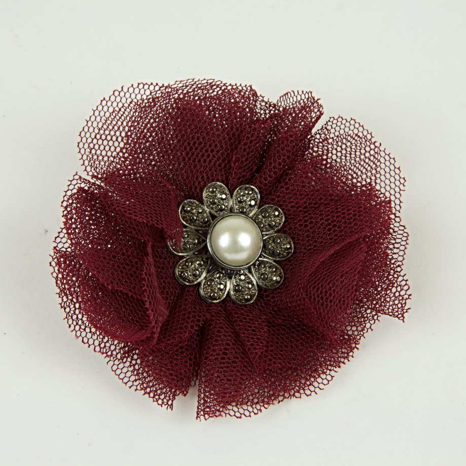 Pearl brooch with netting