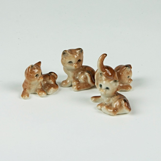 Litter of kittens mini ornaments