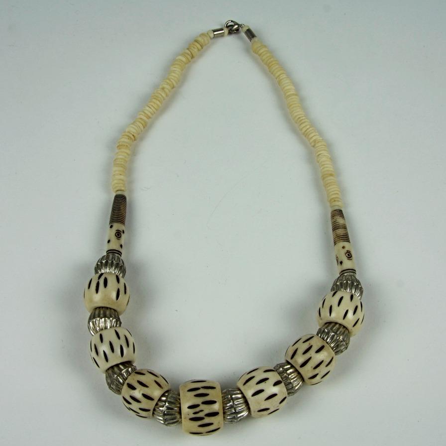 Bone effect beaded necklace