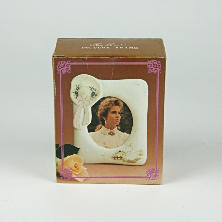 80's ceramic ladies hat photo frame