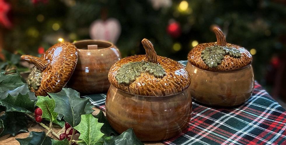 """Bougie en céramique """"Enchanted acorn"""""""