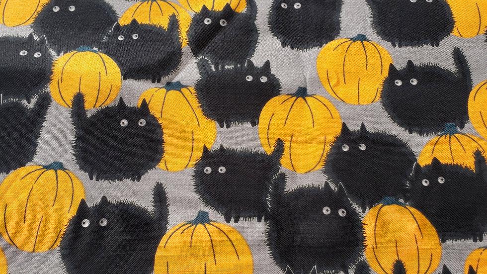Black Cats & Pumpkins Mask