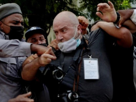 Demandan liberación de comunicadores detenidos durante protestas en Cuba
