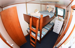 CKC CABINS Eco Abrolhos King Single Bunk
