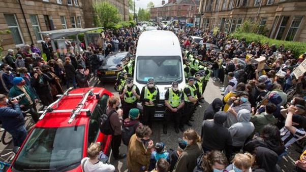 Glasgow victory against immigration control – direct action frees two