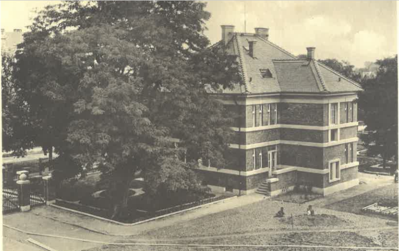 Koželužská škola (vila ředitele)